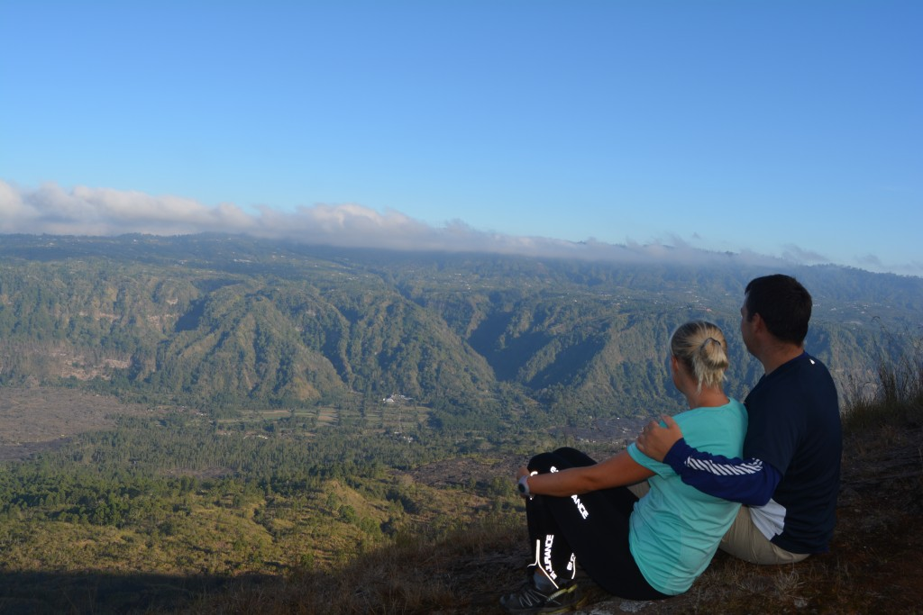 op ad vulkanen Batur på Bali