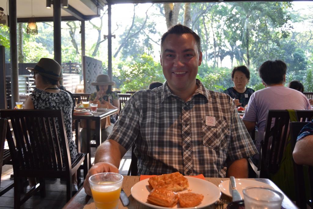 Morgenmad med orangutang Singapore Zoo