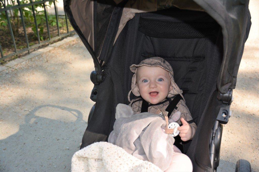 Pakkeliste til storbyferie med 1 årigt barn - sommer