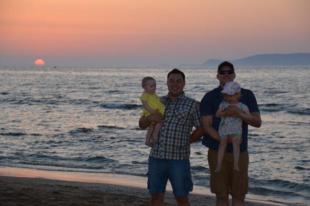 5 tips til at rejse med vennepar med børn